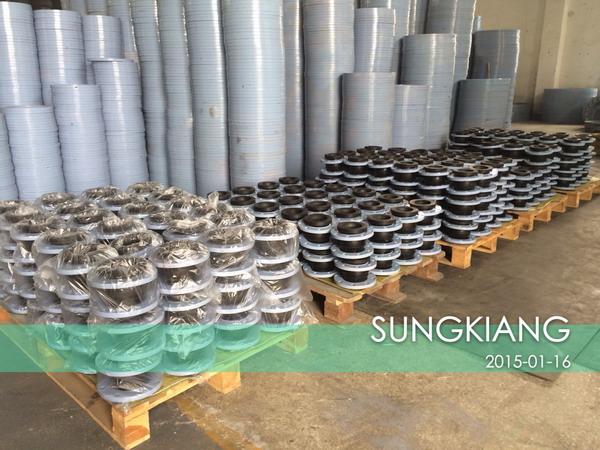 上海松江减震器集团有限公司是上海可曲挠橡胶接头生产厂家,以下是为上海某水泵厂配套的可曲挠橡胶接头产品。